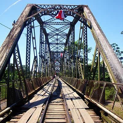Brücke am Grenzübergang